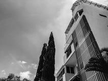 RISHON LE ZION IZRAEL, CZERWIEC, - 18, 2018: Wysoki budynek mieszkalny w Rishon Le Zion, Izrael Zdjęcie Stock