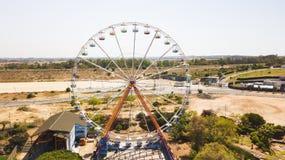 RISHON LE ZION IZRAEL, KWIECIEŃ, - 14, 2018: Ferris toczy wewnątrz Superland w Rishon Le Zion, Izrael zdjęcia royalty free