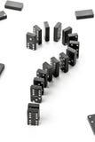 Risico, uitdagings of onzekerheidsconcept - de stenenvorm van het dominospel Royalty-vrije Stock Foto's