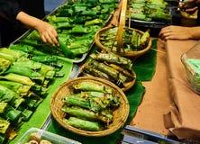 Riso appiccicoso arrostito nel mercato Bangkok Tailandia Immagini Stock