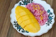 Riso appiccicoso dolce con il mango Fotografie Stock