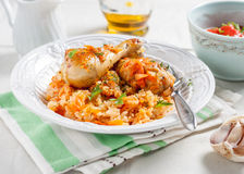Riso con il pollo e le verdure in salsa al pomodoro Fotografia Stock