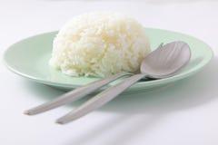 Riso cucinato gelsomino con il cucchiaio e la forchetta Fotografie Stock