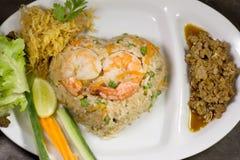 Riso fritto con l'alimento tailandese dei gamberetti del peperoncino rosso Fotografia Stock Libera da Diritti