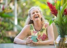 Riso superior alegre da mulher imagem de stock royalty free