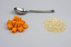 Riso z banią na białym tle Zdjęcia Stock