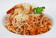 Risoto com vegetais Arborio, creme e azeite, queijo parmesão e creme do arroz foto de stock royalty free