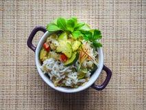 Risotto avec la courgette et le piment Nourriture végétarienne délicieuse Photographie stock libre de droits