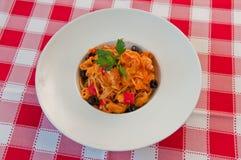 Risotto con las aceitunas y seafood1 Imagen de archivo libre de regalías