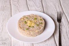 Risotto de la cebada de perla con queso y la cebolla verde Foto de archivo