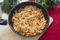 Risotto del arroz en una cacerola Foto de archivo libre de regalías