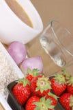 Risotto met aardbeieningrediënten Stock Foto