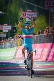 Risoul, Франция 27-ое мая 2016; Vincenzo Nibali, команда Астаны, вымотанные пропуски финишная черта и выигрывает этап Стоковые Изображения