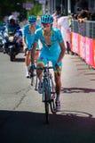 Risoul, Francia 27 de mayo de 2016; Michele Scarponi, equipo de Astaná, pasos agotados la meta después de una etapa dura de la mo fotografía de archivo libre de regalías