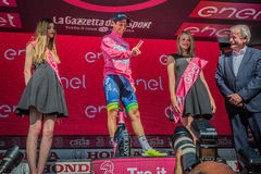 Risoul, Francja Maj 27, 2016; Esteban Chaves, Orica drużyna na podium po ciężkiej halnej sceny, Fotografia Royalty Free