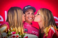Risoul, Francja Maj 27, 2016; Esteban Chaves, Orica drużyna na podium po ciężkiej halnej sceny, Zdjęcia Royalty Free