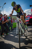 Risoul Frankrike Maj 27, 2016; Alejandro Valverde Movistar lag som evakueras på den Risoul mållinjen Arkivbilder