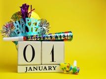 Risparmi gialli di tema il calendario della data per l'nuovo anno, 1 gennaio Immagini Stock Libere da Diritti