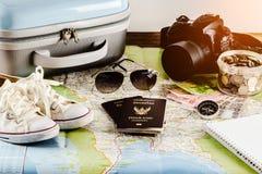 Risparmi i soldi per il viaggio di viaggio Accessori di viaggio per il viaggio TR Immagini Stock Libere da Diritti