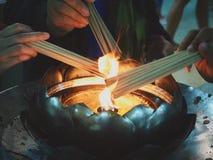 Rispetto cinese del nuovo anno al Buddha fotografia stock libera da diritti