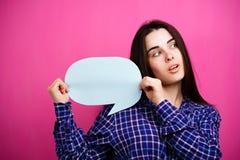 Risposta, pensiero, idea Donna con la bolla di discorso immagini stock libere da diritti