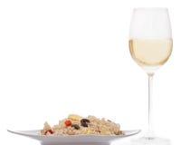 Rissallad och vin royaltyfri foto