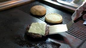 Rissol e queijo do hamburguer filme