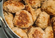 Плита rissoles мяса Стоковые Фотографии RF