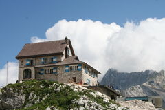 Ristorante della capanna della montagna Immagini Stock Libere da Diritti