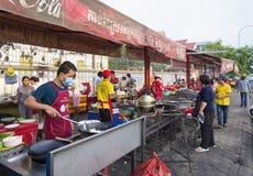 Ristorante della via a Phnom Penh Cambogia Immagini Stock Libere da Diritti