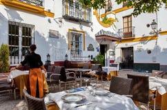 Ristorante di Tipical in Santa Cruz Quarter, Siviglia, Andalusia, Spagna Immagini Stock Libere da Diritti