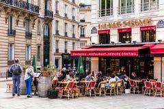 Ristorante francese tradizionale nel quadrato di StGeorges Parigi, franco Immagine Stock Libera da Diritti
