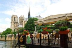 Ristorante su Seine immagine stock
