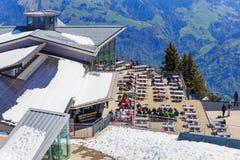 Ristorante sulla cima del Mt Stanserhorn in Svizzera Immagini Stock Libere da Diritti