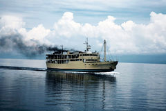 Risveglio della barca nel mare Fotografie Stock Libere da Diritti