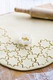Ritagli della pasta del biscotto fotografia stock