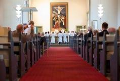 Rite de confirmation à l'église luthérienne Images stock