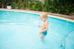 Ritenere l'acqua Fotografia Stock