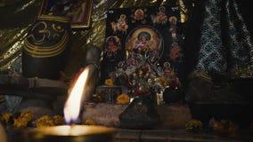 Rithual-Anbetung zur Göttin Kali im Hinduismus stock video footage