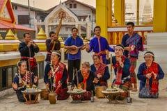 Rito antiguo del noreste tailandés de la adoración al alcohol del hogar Fotos de archivo
