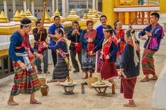 Rito antiguo del noreste tailandés de la adoración al alcohol del hogar Fotos de archivo libres de regalías