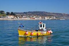 Ritornando al porto ~ Lyme Regis Fotografie Stock Libere da Diritti