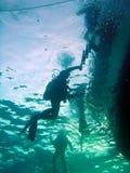 Ritorni dell'operatore subacqueo Fotografia Stock Libera da Diritti