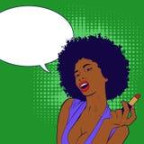 Ritratto africano sexy della donna che fa il suo trucco Ritratto della ragazza di Pop art Immagini Stock