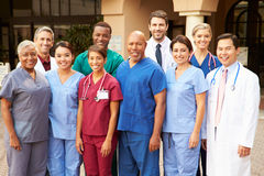 Ritratto all'aperto del gruppo di medici Fotografie Stock