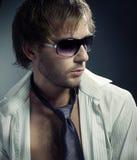 Ritratto alla moda dell'uomo di modo Fotografia Stock Libera da Diritti