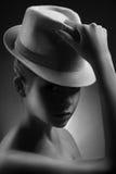 Ritratto alla moda di bw della signora nel retro stile Fotografia Stock Libera da Diritti