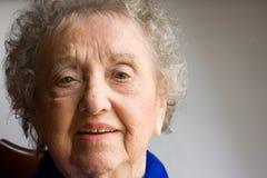 Ritratto anziano della donna Fotografie Stock Libere da Diritti