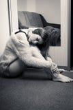 Ritratto in bianco e nero di bella bionda Fotografie Stock Libere da Diritti