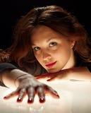 Ritratto Charming della donna del brunet Fotografia Stock Libera da Diritti